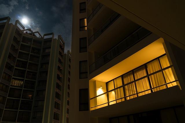 night-2090192_640